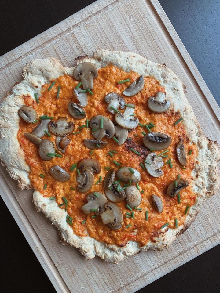 Rustikale Pizza selber machen – vegetarisch, schnell &günstig